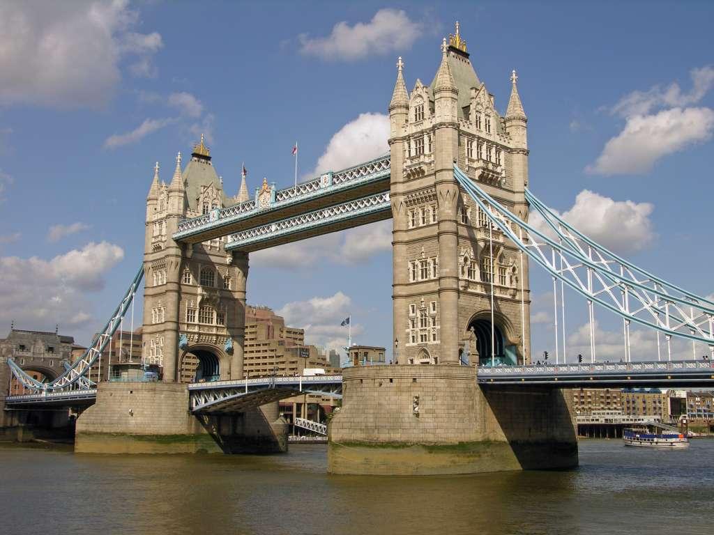 Tower Bridge escorts captivating you